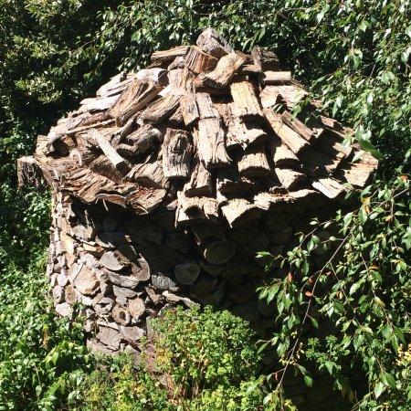 Macedon, Australien: Wonderful Scandinavian Woodstock in the garden.