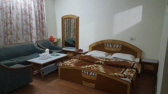 Hotel Kumar's: 20171218_193117_large.jpg