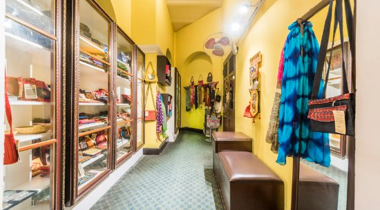 Handicrafts Shopping Picture Of Royal Orchid Metropole Hotel