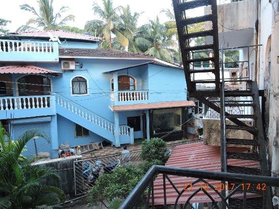 The Goan Village Beach Resort: Bedroom balcony