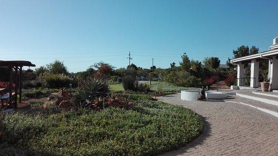 Gordon's Bay, Sudáfrica: Gartenanlage mit Elefantenspringbrunnen