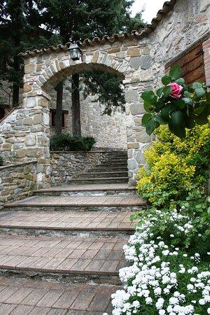 Valtopina, Italie : ingresso albergo