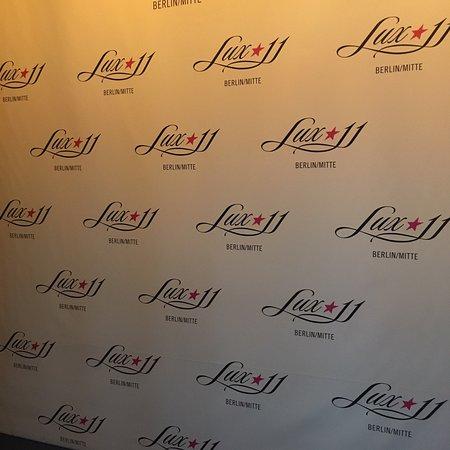 Lux 11: photo0.jpg