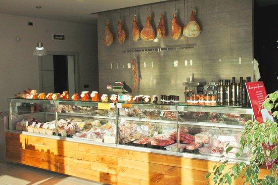 Il negozio di Ferrere