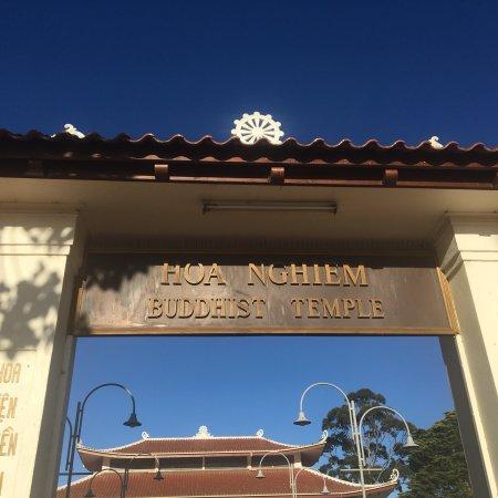 Springvale, Австралия: Hoa Nghiem Buddhist Temple