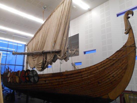 Viking World: Replica Viking ship Islendingu