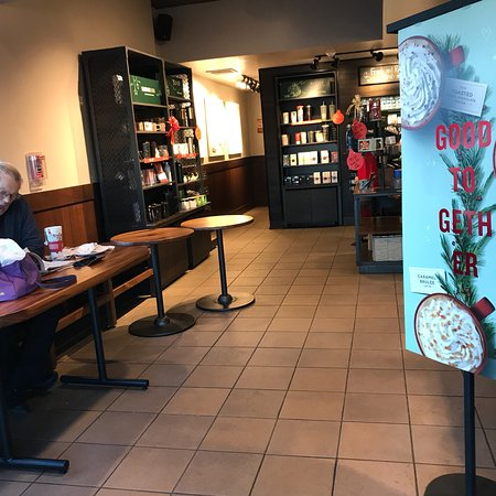 Medford, NY: Starbucks