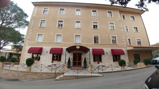 Facciata albergo picture of albergo posta marcucci bagno vignoni tripadvisor - Bagno vignoni hotel posta marcucci ...