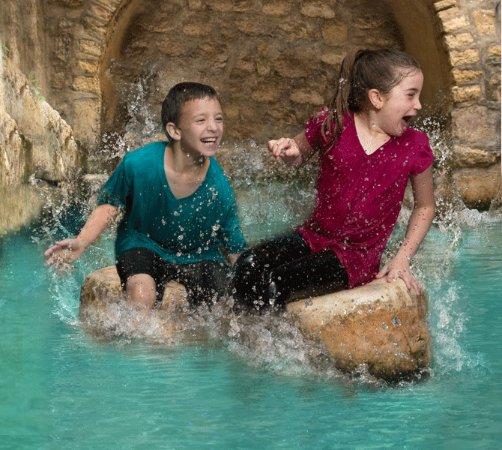 Hezekiah's Tunnel - Siloam Tunnel: Kids playing in the water