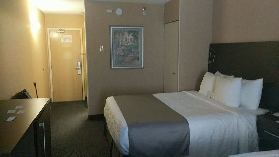 Best Western Hotel Brossard : 806119526_6454_large.jpg