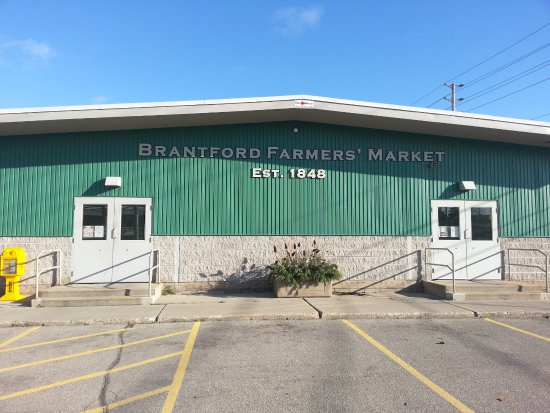 Brantford, Canada: Main Entrance of the Branford Farmer's Market