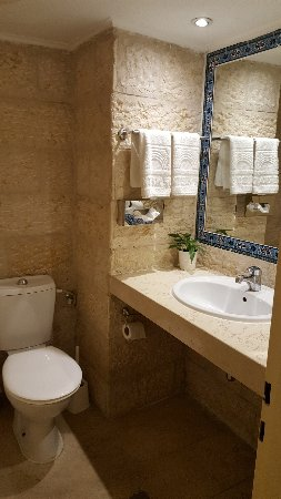 Mount Zion Hotel: citadel bathroom
