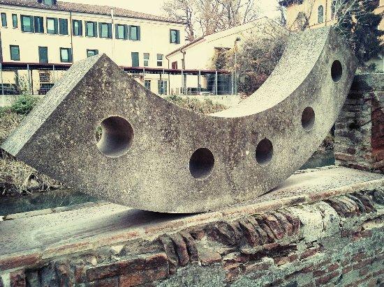 Scultura di Elio Armano dedicata a Andrea Palladio