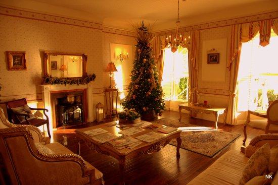 La Haule Manor: Nice peaceful lounge.