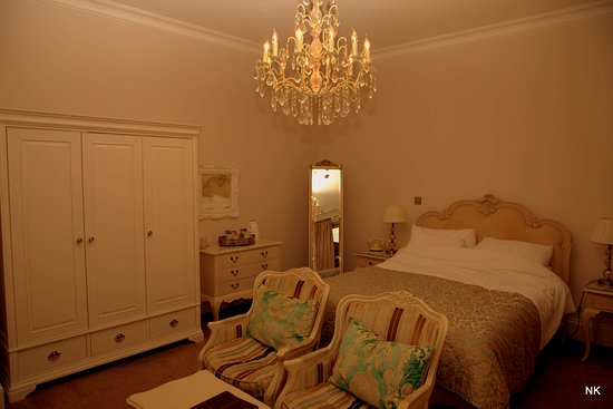 La Haule Manor: Our Room.