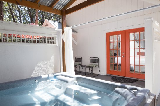 Cypress Creek Cottages: Private Hot Tub - Cottage 3 - Orange