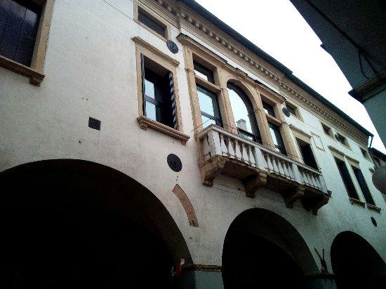 Palazzo Da Lion