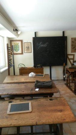 Bad Voeslau, Austria: alte Schulklasse in Bd Vöslau
