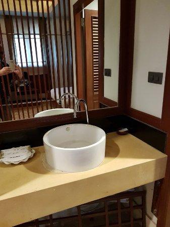 Charming Lao Hotel: 20171221_171502_large.jpg