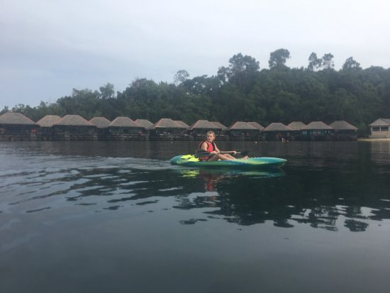 Gayana Eco Resort: kayaking limited in bay; not much to see