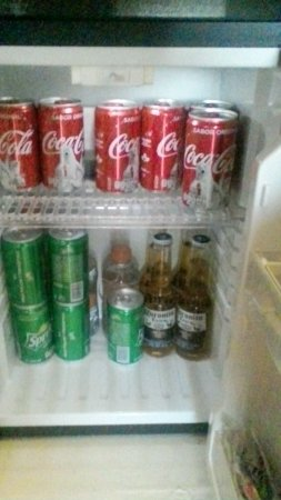 Las Brisas Huatulco: Mini fridge, with extra for the asking (small tip required)