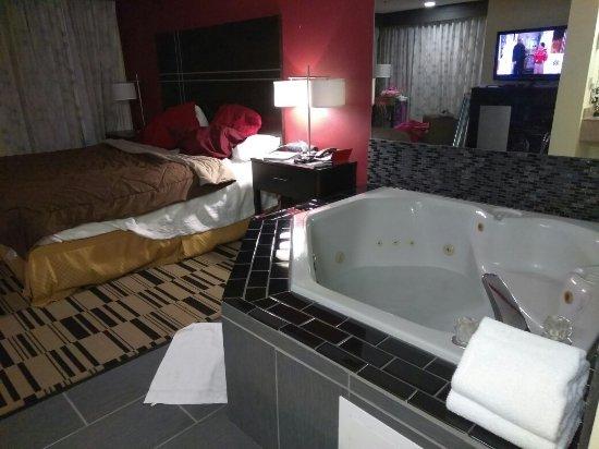 Best Western Shippensburg Hotel: IMG_20171224_014636_large.jpg