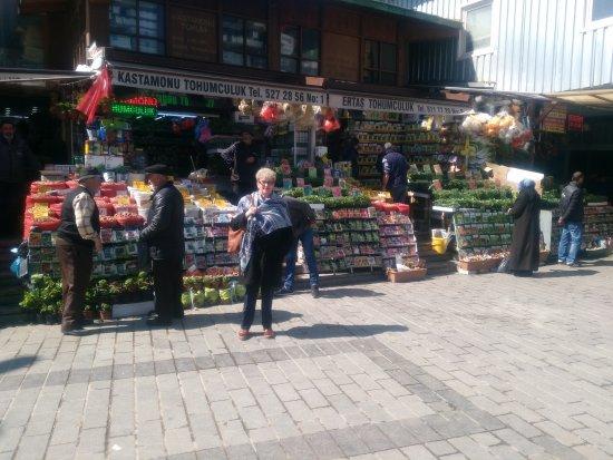 photo4 jpg obrázok Eminonu Square, Istanbul TripAdvisor # Fleuriste Bois Colombes