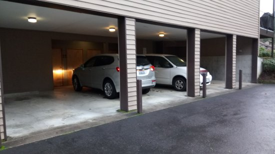 Welches, Oregón: Overhead parking