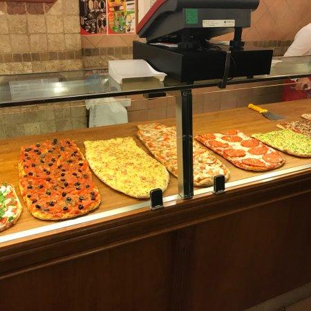 ristorante planet pizza in roma con cucina italiana