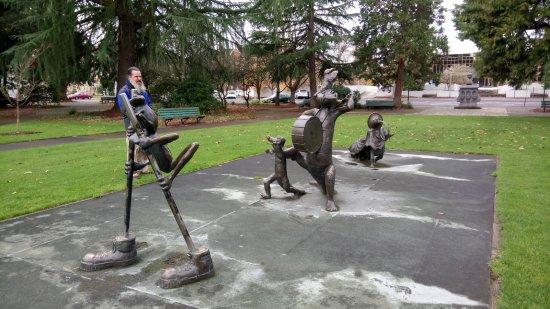 Salem, Орегон: Garden marching display
