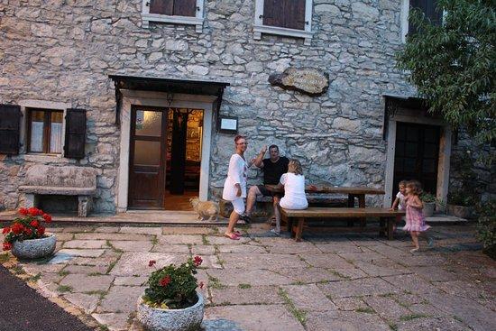 Oprtalj, Croacia: exterior of restaurant