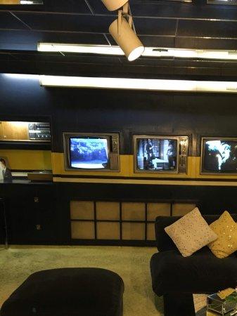 Graceland: Television room