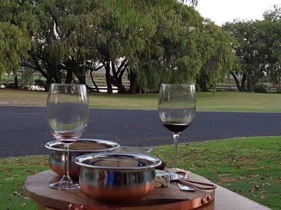 Wonnerup, Australia: 20170305_184536_large.jpg