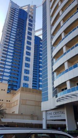 Time Crystal Hotel Apartments Etupuoli