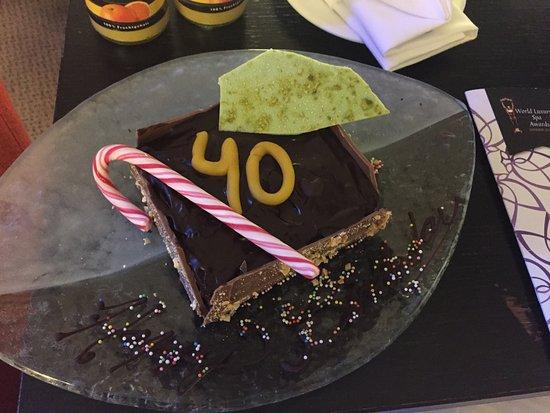 Radisson Blu Hotel, Berlin: Birthday cake organised by the staff
