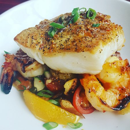 Piney Point, Μέριλαντ: Seared Cod Panzanella