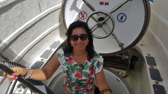 De Palm Tours: Atlantis Submarines Expedition: Ingresando al submarino Atlantis en Aruba.
