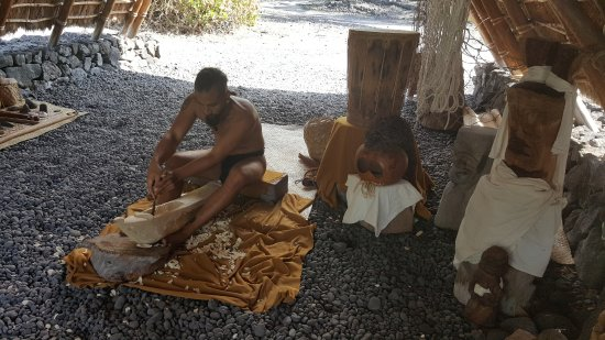 Honaunau, Hawaï : Resident carver