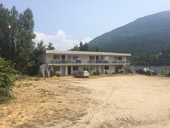Balfour, Kanada: The Motel