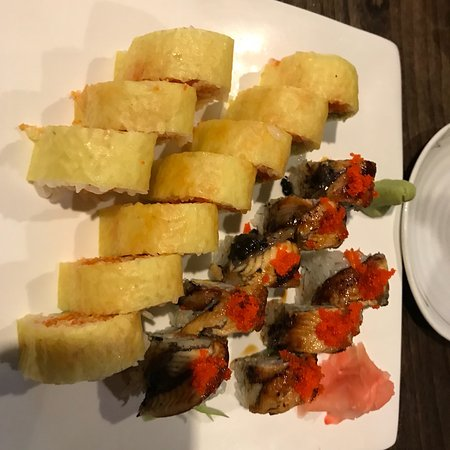 Mars, Pensilvania: Dragon roll has the eel on it and the yellow soybean wrapped sushi is the pikachu roll