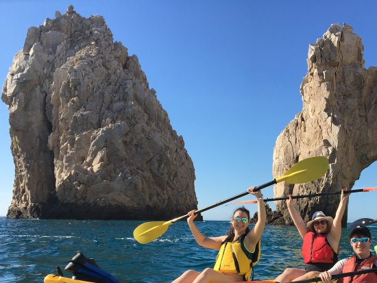 Cabo Outfitters: Kayaking near the Arch