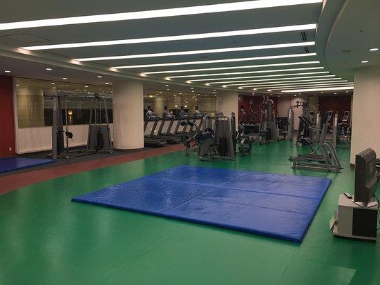 Hilton Tokyo Narita Airport Hotel: big gym