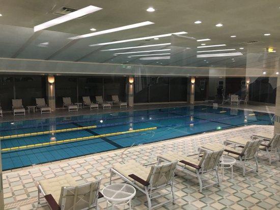 Hilton Tokyo Narita Airport Hotel: indoor swimming pool