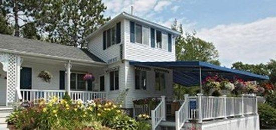 Glen Cove Inn & Suites