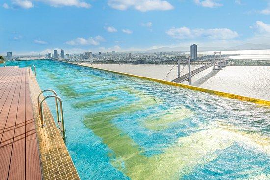 24K infinity swimming pool - Picture of Danang Golden Bay, Da Nang ...