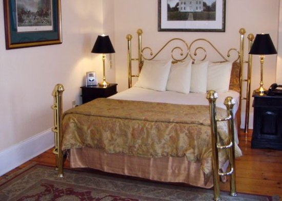 Christopher's by the Bay: Guest room