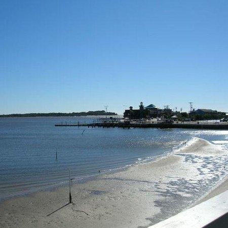Cedar Cove Beach & Yacht Club: Exterior