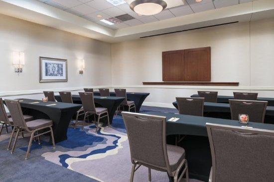 Meeting room hilton garden inn tampa airport westshore tripadvisor for Hilton garden inn tampa airport