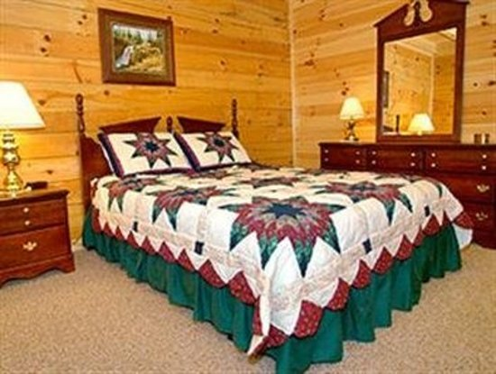 MountainTop Resorts Lone Branch: Guest room