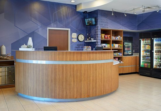 Brentwood, MO: Lobby